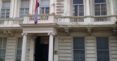 Reino Unido llama al embajador iraní en Londres por la detención de su homólogo británico en Teherán