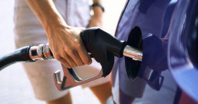 Suben precios de las gasolinas; GLP baja RD$3.50