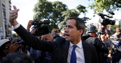 Tensión en la sede de la Asamblea Nacional de Venezuela: Guaidó ingresa para presidir la sesión