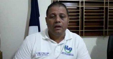 Empleado de Salud Pública pide excusas por transportar valla del PLD en vehículo de la institución