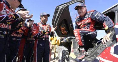 Carlos Sainz reina en el desierto y logra el Dakar por tercera vez