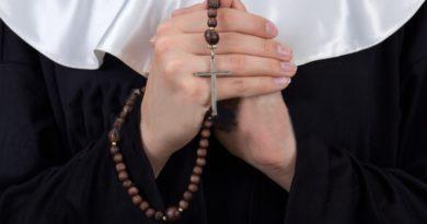 Una monja de Nueva Jersey acusada de violar estudiante en escuela católica hace más de 50 años