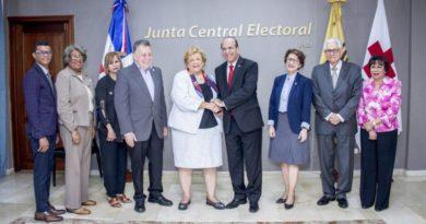 JCE y Cruz Roja Dominicana firman convenio para asistencia a electores en recintos electorales
