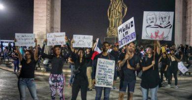 Protestas multitudinarias se extienden en el país tras suspensión de elecciones
