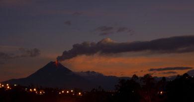 ¿Alerta en el 'gigante negro'? Uno de los volcanes más activos de América del Sur podría estar en riesgo de colapso parcial
