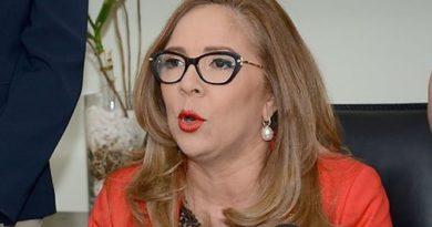 Aspirantes a diputados piden renuncia de Iris Guaba en el Plan Social de la Presidencia