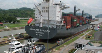 Canal de Panamá reconoce malestar social por alza salarial del jefe de la vía