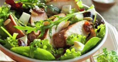 Ensalada de pollo con vinagreta de puerro
