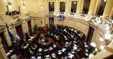 El Senado de Argentina aprueba la ley de renegociación de la deuda