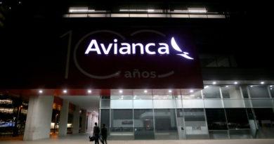 Fiscalía de Colombia allana sede de la aerolínea Avianca en Bogotá por investigación sobre sobornos