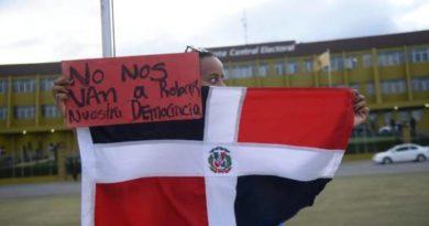 Guillermo Moreno convoca a vigilia para exigir renuncia del pleno de la JCE