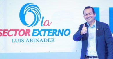 Juramentan a Mayobanex Suazo como coordinador sector externo con Luis Abinader