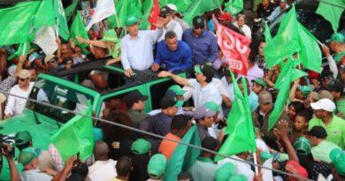 Leonel anuncia en San Juan victoria contundente del domingo