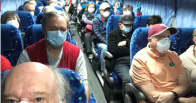 Catorce estadounidenses evacuados del crucero japonés tienen coronavirus y fueron aislados durante el vuelo de regreso a su país.