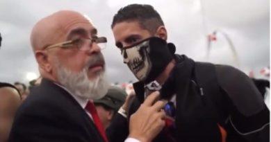 Uno de los manifestantes frente a JCE: Se necesita matar un presidente