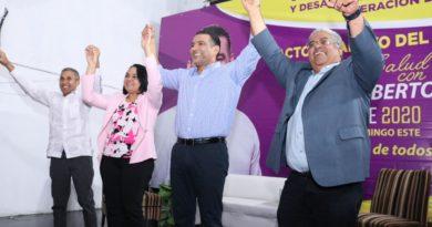 Luis Alberto recibe apoyo de principales gremios y funcionarios del sector salud. Dice que su éxito se debe a que no se queja; trabaja.