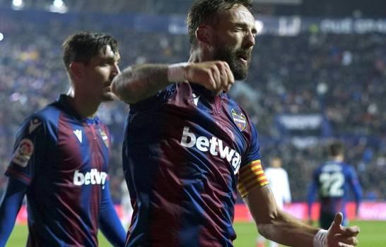Victoria de Levante ante el Real Madrid lleva al Barcelona al liderato