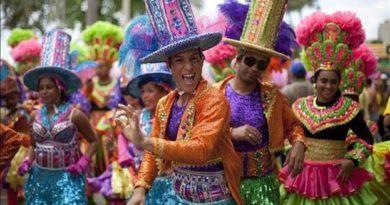 ASDE realiza con éxito el Carnaval Santo Domingo Este 2020