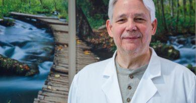 Asesor médico del Poder Ejecutivo niega sea su voz la de audio que circula en redes sobre coronavirus