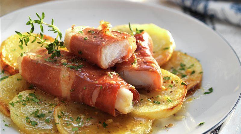 Bacalao al horno con jamón crujiente y salsa de miel
