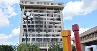 Banco Central desmiente aumento en la tasa del dólar de RD$ 63.95