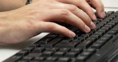Cómo desinfectar el teclado del ordenador
