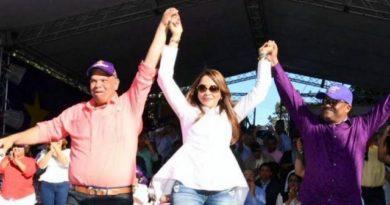 Denuncian Lethi Vásquez cancela embarazada porque pareja apoyaba a Carlos Guzmán en SDN