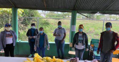 Educación garantiza pago oportuno a suplidores escolares para continuar entrega de kits alimenticios a estudiantes