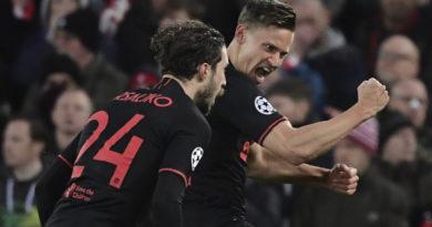 El Atlético de Madrid elimina al Liverpool, actual campeón de la Liga de Campeones, en Anfield