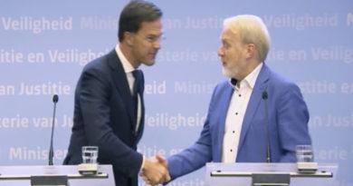 El primer ministro neerlandés prohíbe los apretones de manos para prevenir el coronavirus y es el primero en incumplir