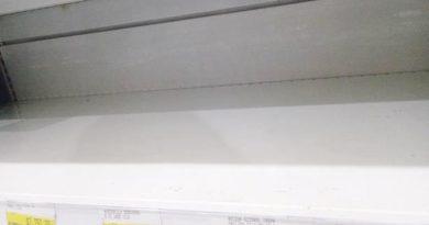 Se agotan medicinas tradicionales para la gripe en los supermercados