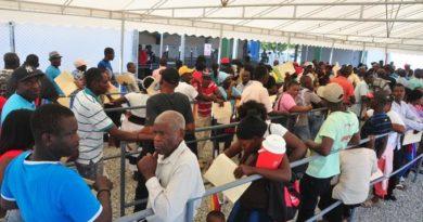 El 65 % de haitianos que asistió a centros de legalización no tenía ningún tipo de documentos