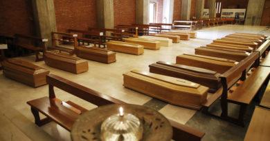 Italia prohíbe los funerales debido a la pandemia del coronavirus