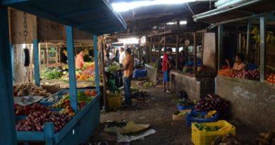 Ciudadanos acuden a mercados no toman precaución por coronavirus