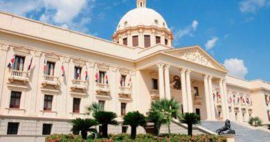Poder Ejecutivo designa embajadores en Suecia y Panamá