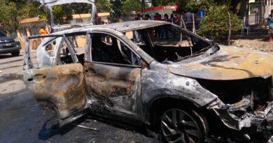 Tres heridos al incendiarse vehículo en Cotuí, supuestamente disparo inició el fuego