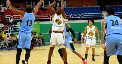 Club Rafael Barias obtiene segunda victoria en el baloncesto distrital