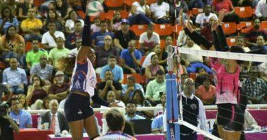 Luisín Mejía continúa contacto con atletas en distintos países; unos retornaron y otros están en espera