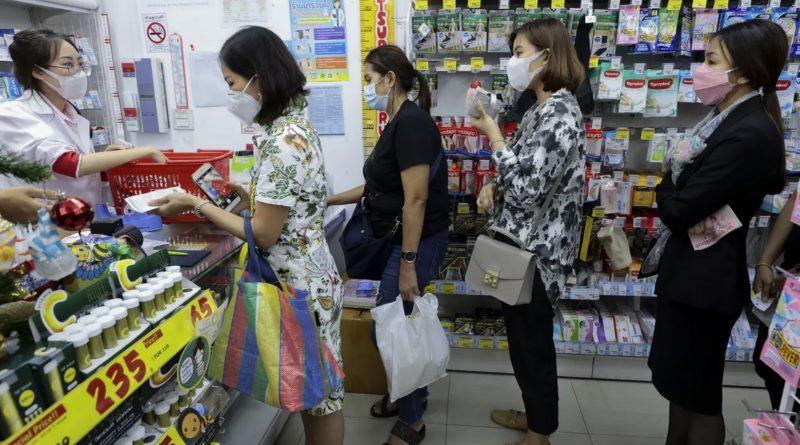 Comerciantes y farmacias de Nueva York en agiotaje alteran precios de mascarillas contra Coronavirus y gobernador advierte habrá decenas de casos
