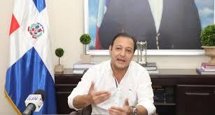 Abel Martínez sugiere a Abinader entregar ambulancias a hospitales y no a alcaldías