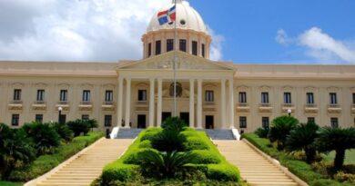 Gobierno extiende toque de queda hasta el 17 de mayo