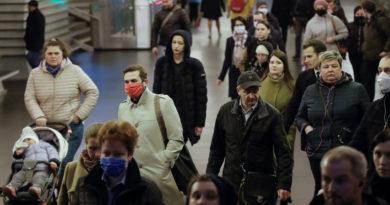 Los mayores de 65 años solo representan el 15 % de los infectados con covid-19 en Rusia