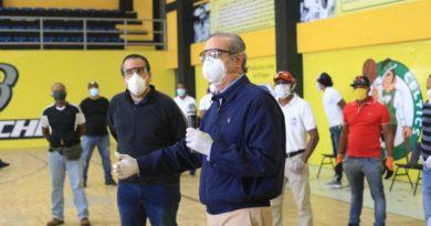 Luis Abinader entrega bonos para atletas dominicanos