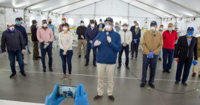 Luis Abinader entrega en La Vega hospital temporal para ayudar a controlar el coronavirus