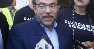Moreno afirma pandemia no cede y crisis económica avanza