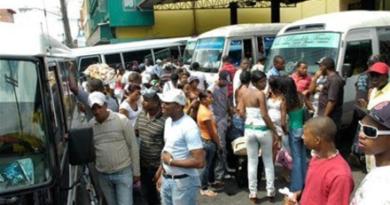 Montalvo: ¨Autobuses y minibuses siguen prohibidos; Se debe garantizar el distanciamiento social¨