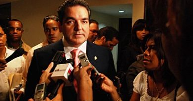 Neney Cabrera renuncia presidencia ejecutiva del PRD