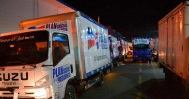 Plan Social entrega alimentos en Santo Domingo y el DN