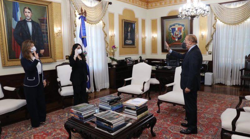 Presidente Medina juramenta nuevas directoras del Inaipi y Conani