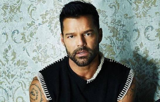 Ricky Martin presenta a su cuarto hijo, Renn Martin-Yosef